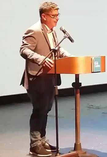 Alcalde Juan Ramón Godoy encabeza reapertura al público del Teatro Regional Lucho Gatica