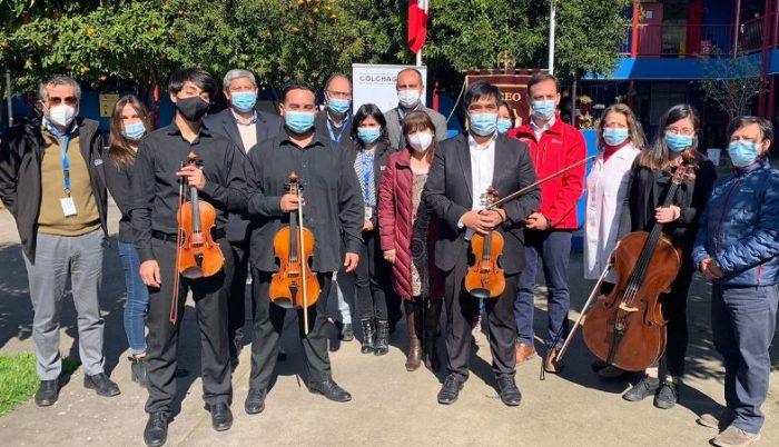 En Liceo Bicentenario Juan Pablo II de Nancagua lanzan proyecto para crear orquestas en los colegios
